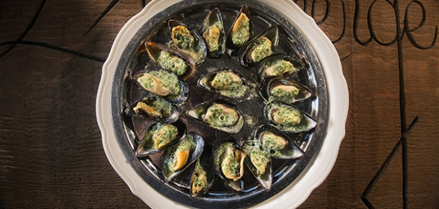 Mussels with Garlic & Herb butter